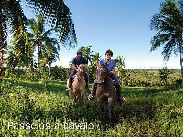 Passeio a cavalo na Praia do Forte
