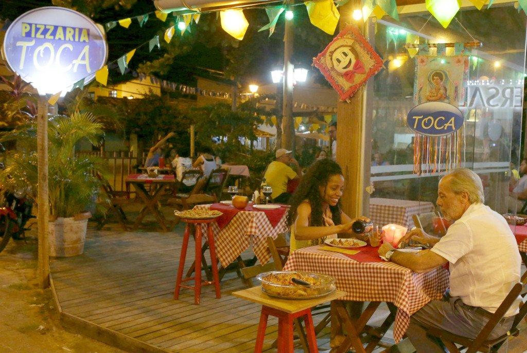 Deck do Toca Pizzaria Praia do Forte